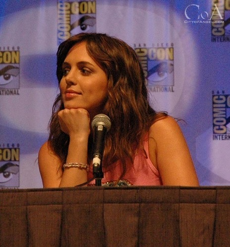 eliza dushku at comic con 2004