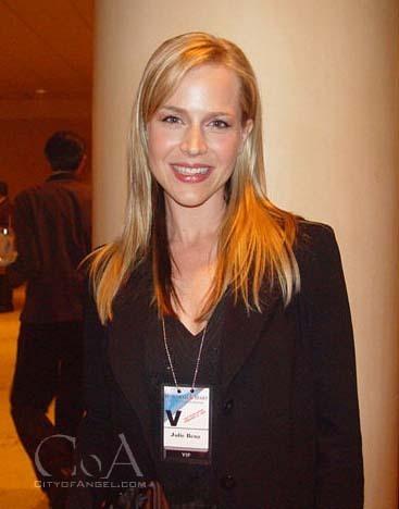julie benz at wolfram & hart review 2004