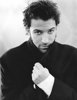 Alessandro Del Piero hình nền possibly with a portrait called Dolce & Gabbana