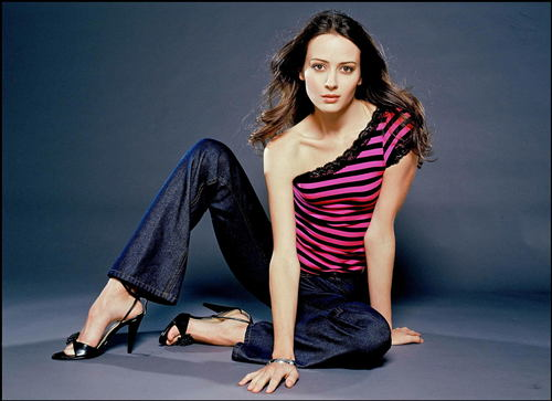 Amy Acker kertas dinding with a legging, tights, and a hip boot entitled Amy