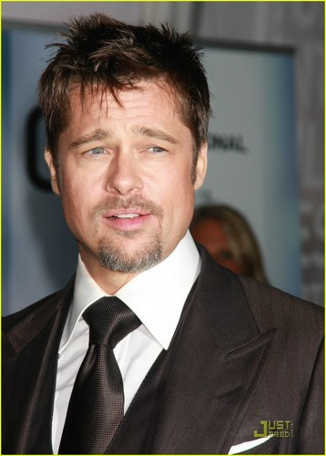 Brad Pitt achtergrond with a business suit and a suit called Brad