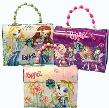 Lunch Boxes kertas dinding probably containing a purse, an evening bag, and a bag titled Bratz Dome Style Lunch Boxes