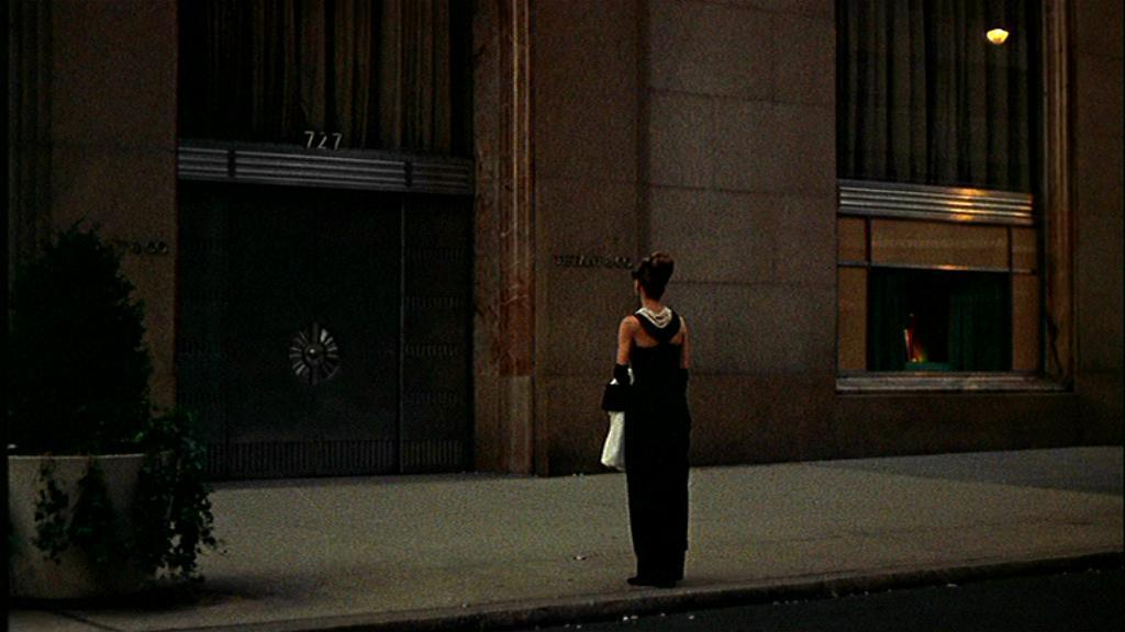 http://images1.fanpop.com/images/photos/2200000/Breakfast-at-Tiffany-s-breakfast-at-tiffanys-2295306-1024-576.jpg