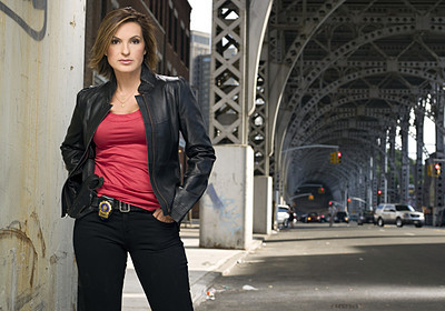 Law and Order SVU wallpaper with a street, a carriageway, and a business suit entitled Det. Olivia Benson