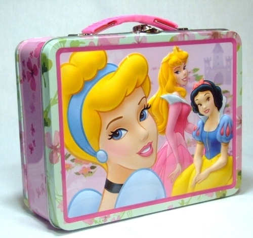 Lunch Boxes karatasi la kupamba ukuta possibly with a kibaniko, mashine ya kubanika mkate called Disney Princess Lunch Box