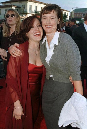 Gillian Anderson and chá Leoni