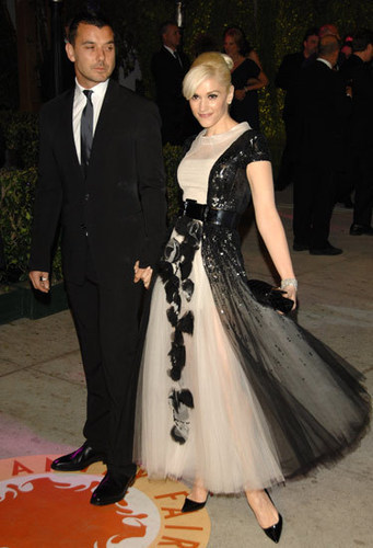 Gwen Stefani wearing a Chanel dress - chanel Photo
