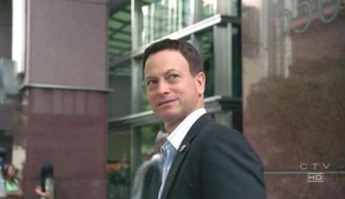 CSI:NY پیپر وال containing a business suit and a suit called Mac Taylor