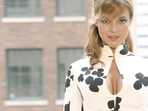 Natalia boa Vista [Eva Larue]
