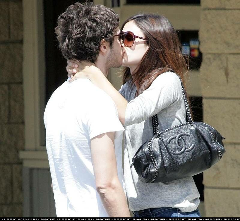 Adam Brody and Rachel Bilson Photo (2292778) - Fanpop