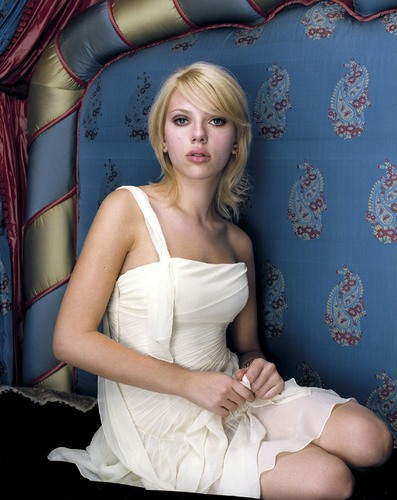 Scarlett Johansson wallpaper probably with a cocktail dress and a bridesmaid titled Scarlett