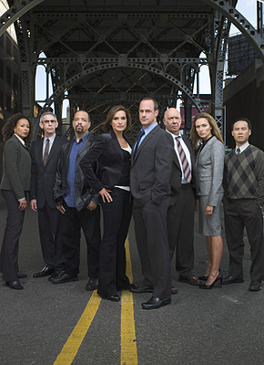Law and Order SVU wallpaper with a business suit, a suit, and a dress suit called Season 10 Cast Promo