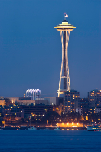Elliott bay And angkasa Needle At Dusk