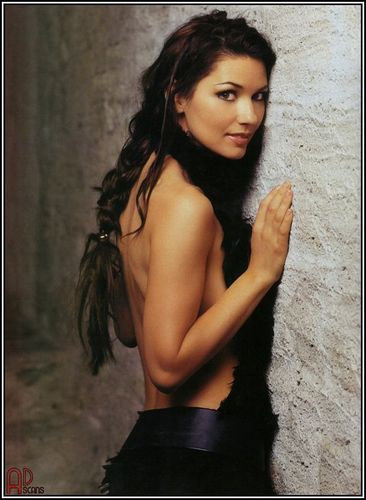 Shania Twain wallpaper containing skin and a portrait entitled Shania