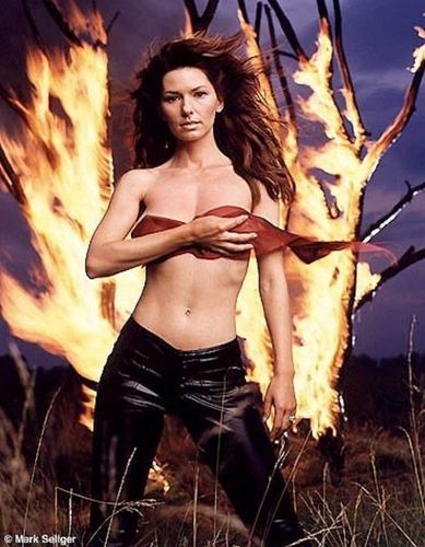 Shania Twain karatasi la kupamba ukuta possibly containing skin entitled Shania