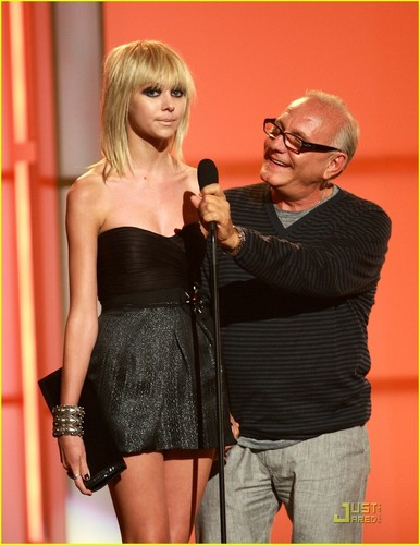 Taylor Momsen wallpaper entitled Taylor at Fashion Rocks