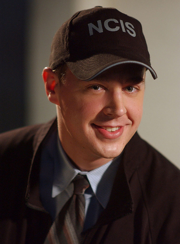ncis fondo de pantalla with a business suit titled Timothy McGee