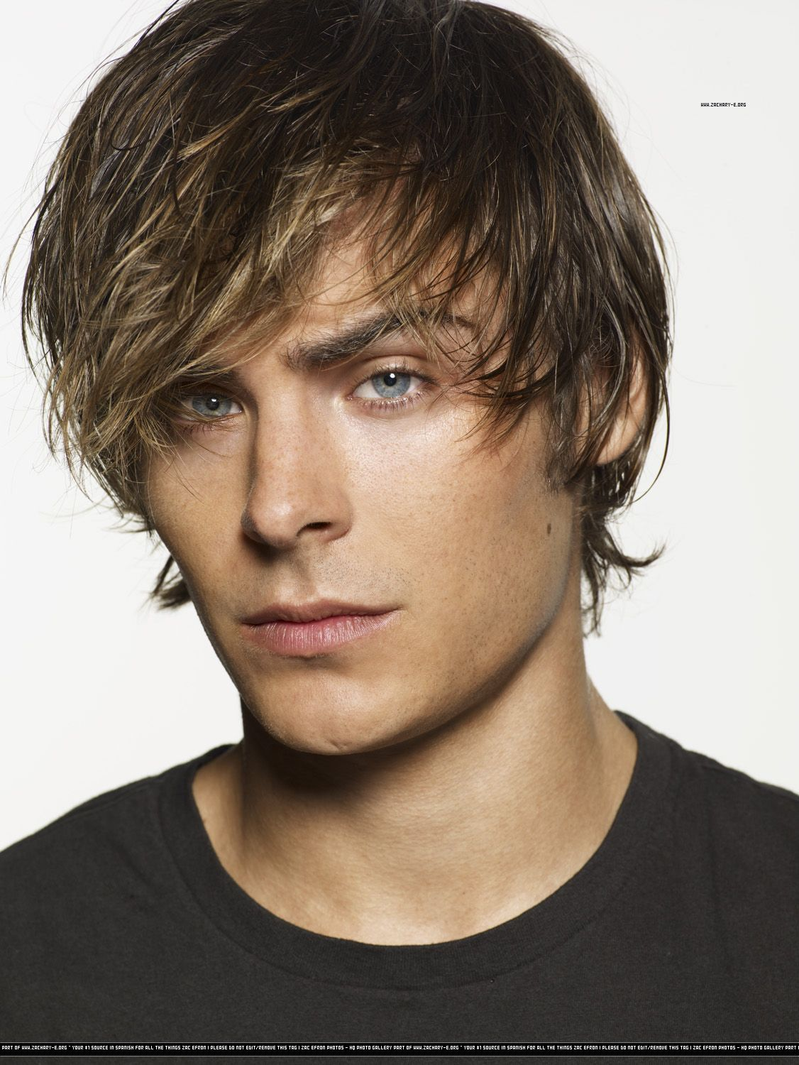 The resemblance between Leon and Zac Efron - Resident Evil 4 ...