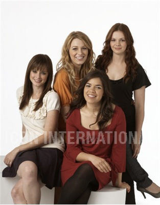 Sisterhood of the Traveling Pants wallpaper probably with a portrait entitled girls