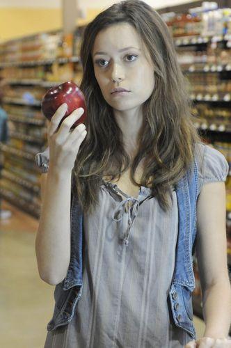 2x04 - Allison from Palmdale stills