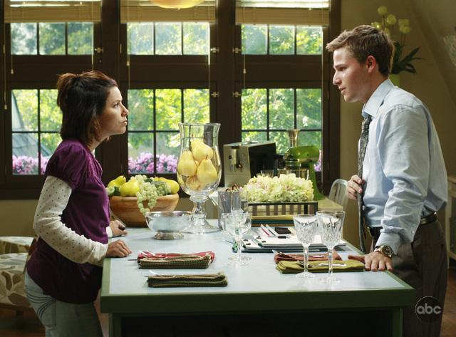 5X02 Promo Pictures desperate housewives 2360950 640 473 - Desperate Housewives