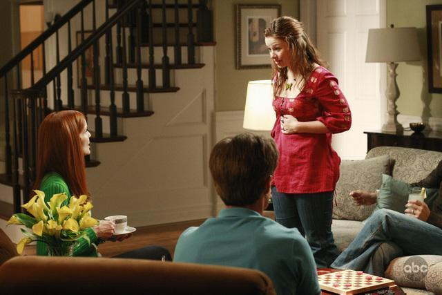 5X02 Promo Pictures desperate housewives 2360959 640 427 - Desperate Housewives