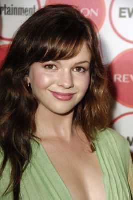 Amber Tamblyn Обои containing a portrait called Amber Tamblyn
