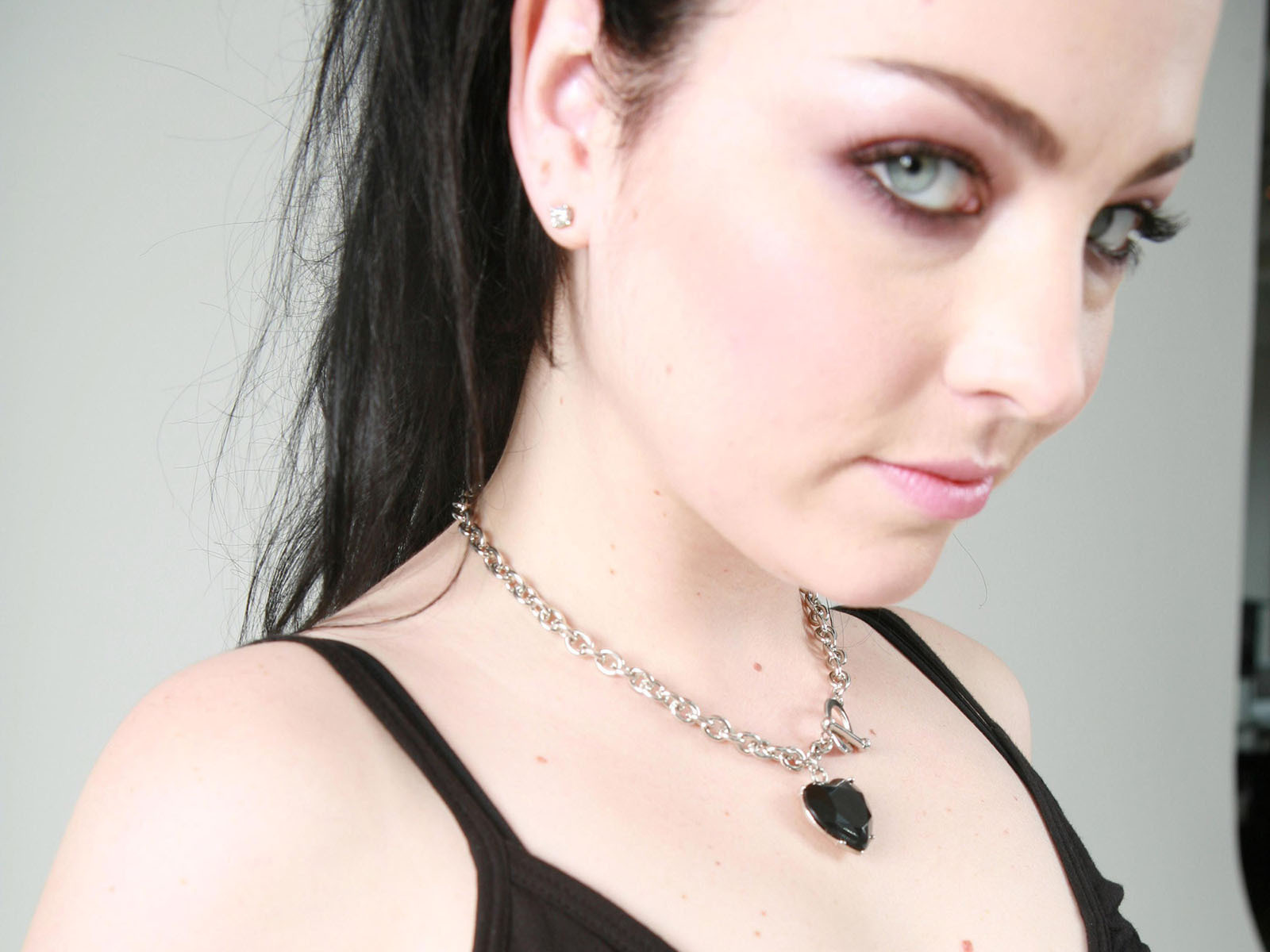emy lee -evanescence pic Amy-Lee-evanescence-2392784-1600-1200