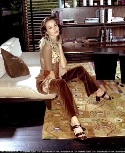 Illyria - Amy Acker Wallpaper (763372) - Fanpop