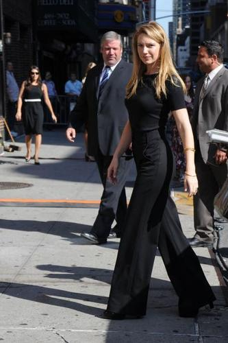 Anna arriving at Letterman