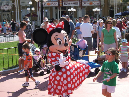 "チャウダー says, "" I'M NOT YOUR BOYFRIEND"" to Minnie"
