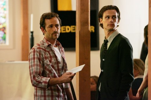 Esprits Criminels fond d'écran containing a business suit entitled Criminal Minds - Episode 4x03 - 'Minimal Loss'