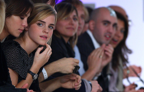Emma Watson - Fashion Fringe 表示する