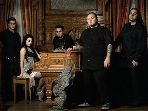 Evanescence wallpaper containing a pianist titled Evanescence