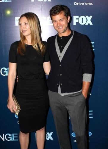 Anna Torv fond d'écran possibly containing a well dressed person and a business suit entitled Fringe NY Premiere Party