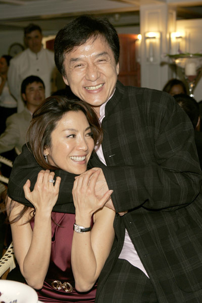 Jackie Chan Wife http://www.fanpop.com/clubs/jackie-chan/images/2361769/title/jackie-chan-michelle-yeoh-photo