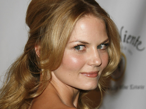 Jennifer Morrison wallpaper containing a portrait called Jennifer