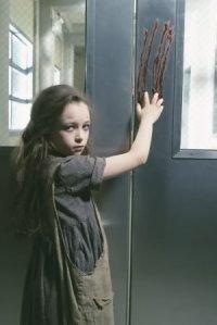 Jodelle Ferland as Mary