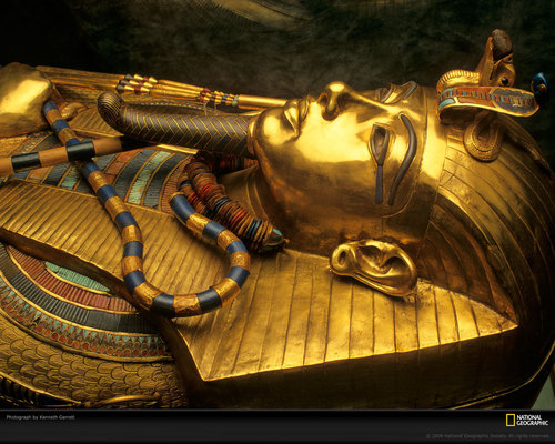 Kings and Queens achtergrond probably with a lippizan and a horse trail called King Tut Sarcophagus