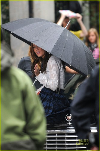 Leighton on Set