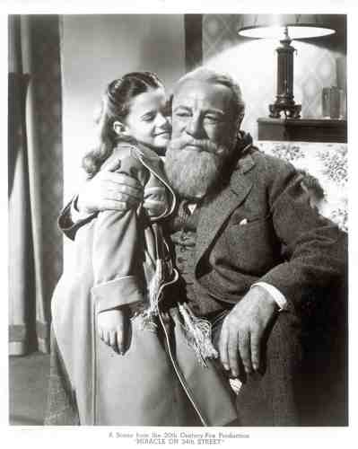 Miracle On 34th Street w'paper