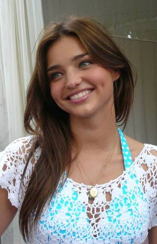 Miranda Kerr at roze Rally, The Raleigh