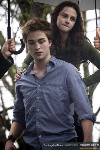 Robert/Kristen behind the scenes