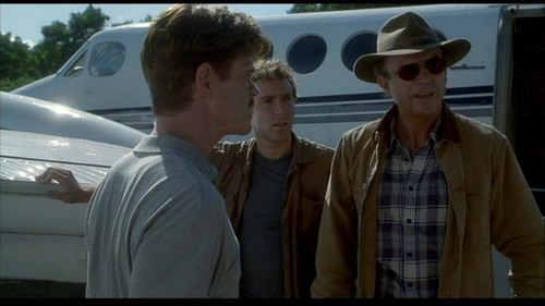 Jurassic Park achtergrond containing a boater, a fedora, and a porkpie entitled Scenes from Jurassic Park III [Part 5]