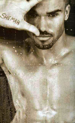 Shemar Moore 壁紙 probably with a water entitled Shemar Moore