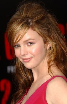 Amber Tamblyn kertas dinding containing a portrait and attractiveness entitled premiera the grudge 2