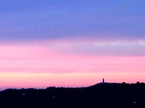 sunset over 城堡 爬坡道, 小山