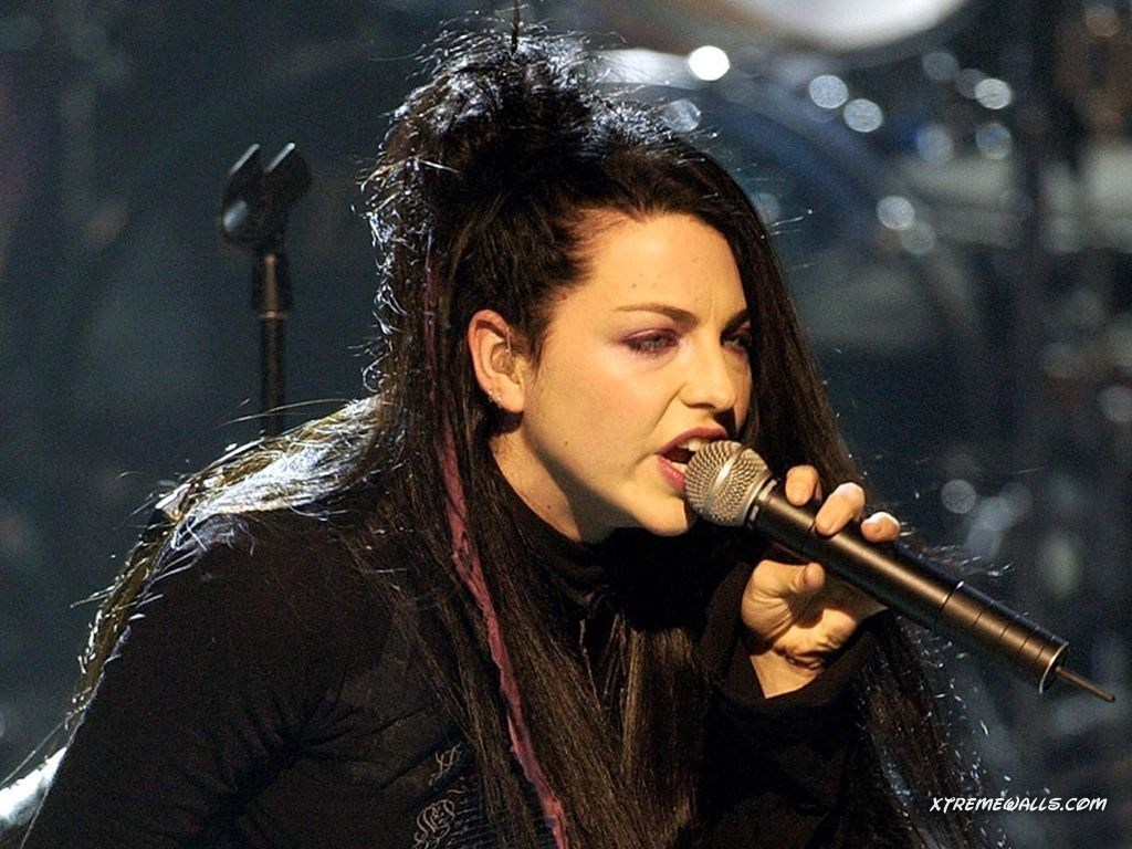 emy lee -evanescence pic Amy-Lee-evanescence-2494365-1024-768