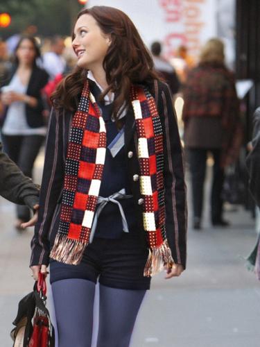 Blair wearing Chuck's scarf