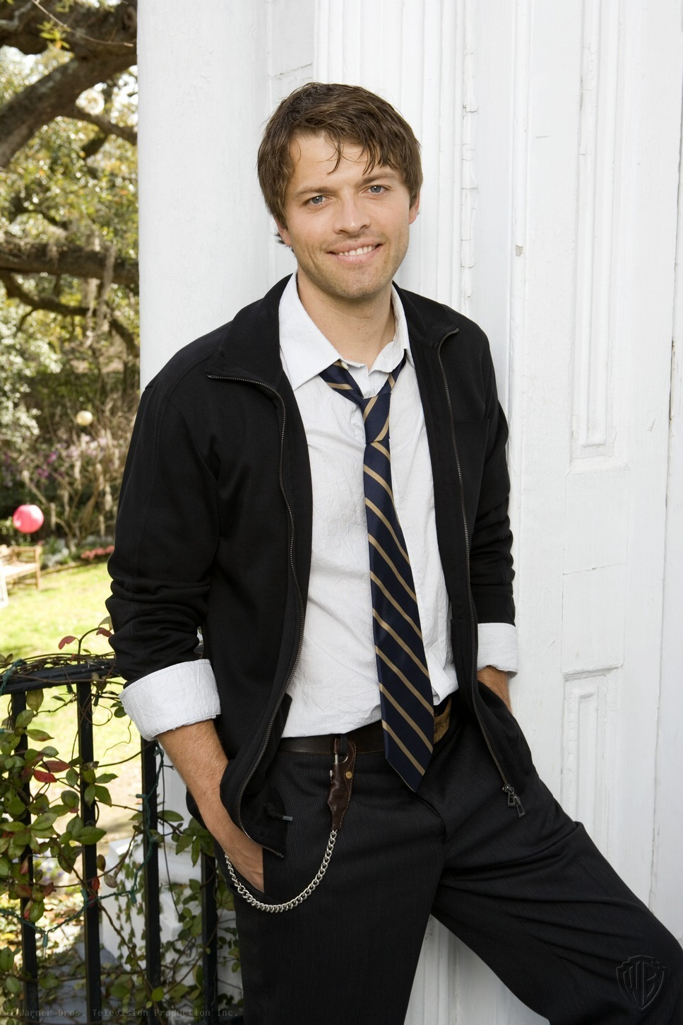 Castiel aka Misha Collins Promotion Pictures supernatural 2465743 967 1450 - Misha Collins